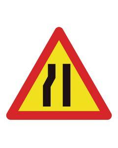 Señal tráfico estrechamiento izquierda