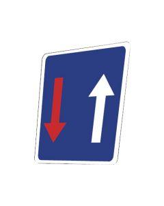 Señal tráfico prioridad respecto contrario